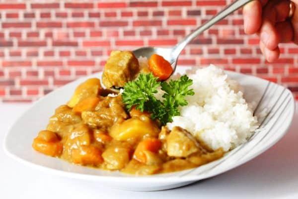 Kare Raisu – Japanisches Curry mit Reis [Rezept für Golden Curry]