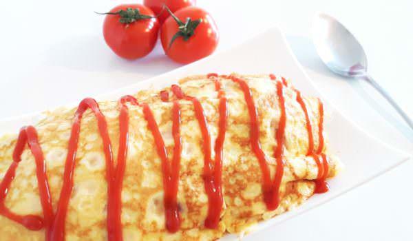Schnelles Omuraisu – Reis in japanischem Omelett