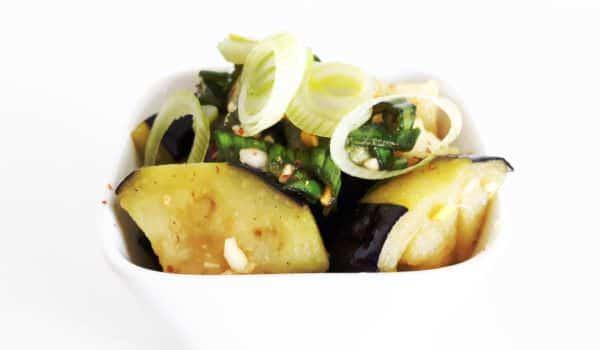 Frittierte Aubergine (Nasu) mit Soja-Knoblauch-Soße