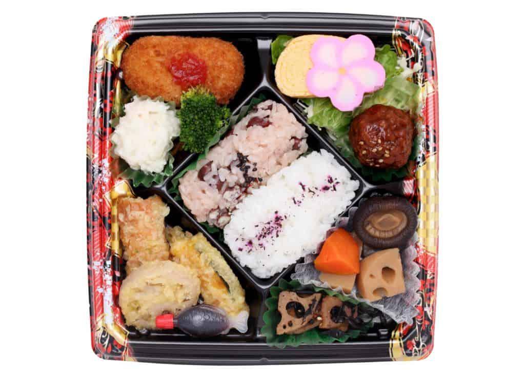 Japanische Küche: Bento sind in Japan beliebte Speisen für unterwegs, die du auch selbst zusammenstellen kannst!