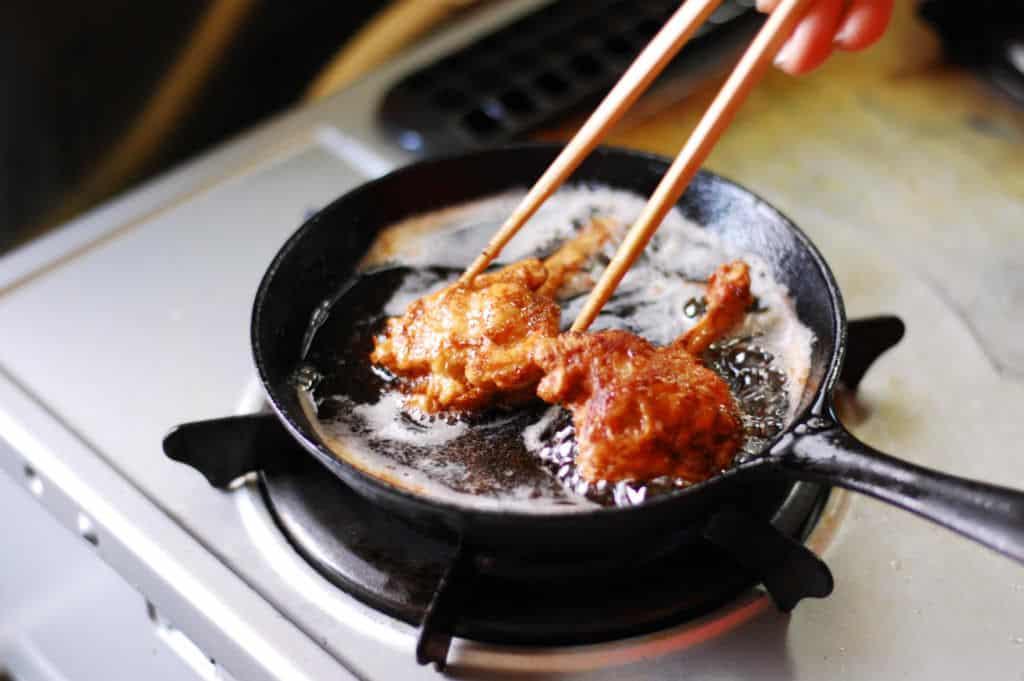 Japanische Küche: Karaage ist eins der beliebtesten Beilagen zu Suppen oder Reis.