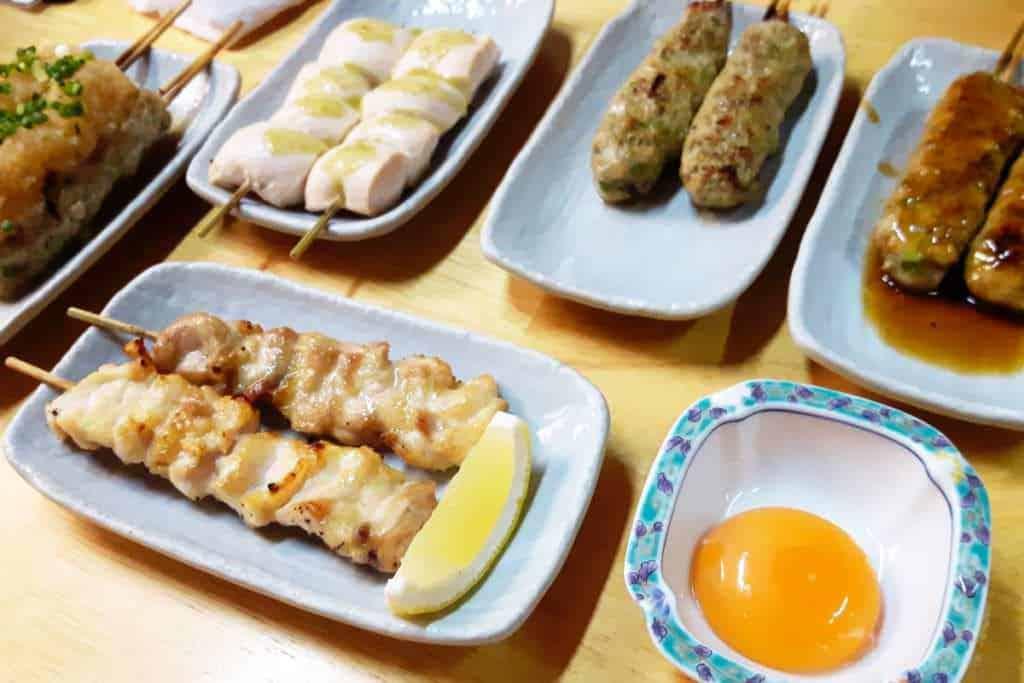 Japanische Küche: Am bekanntesten für diese Zubereitungsart sind Yakitori und Teppanyaki.
