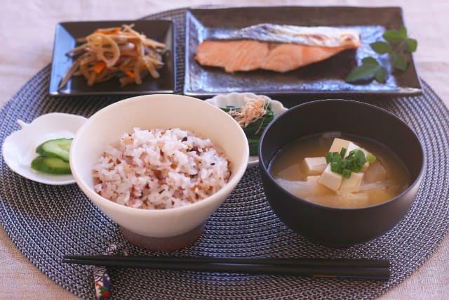 Japanisch kochen wird mit der richtigen Anleitung kinderleicht.