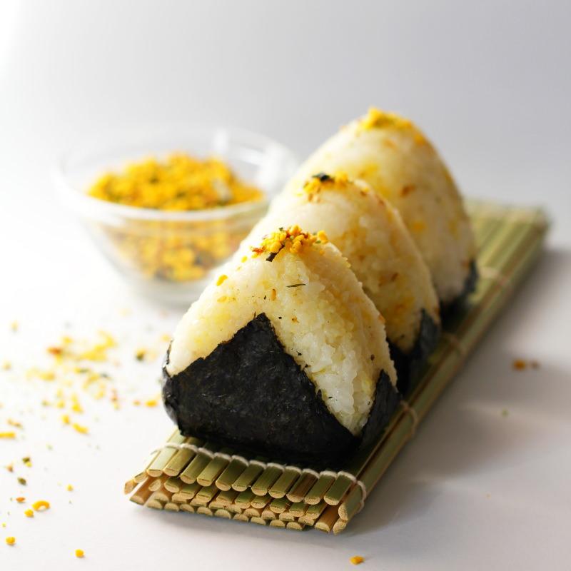 Onigiri mit Furikake-Füllung