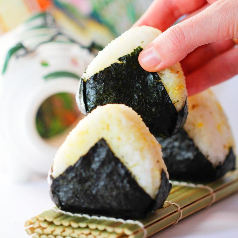 Onigiri mit Furikake Fertig
