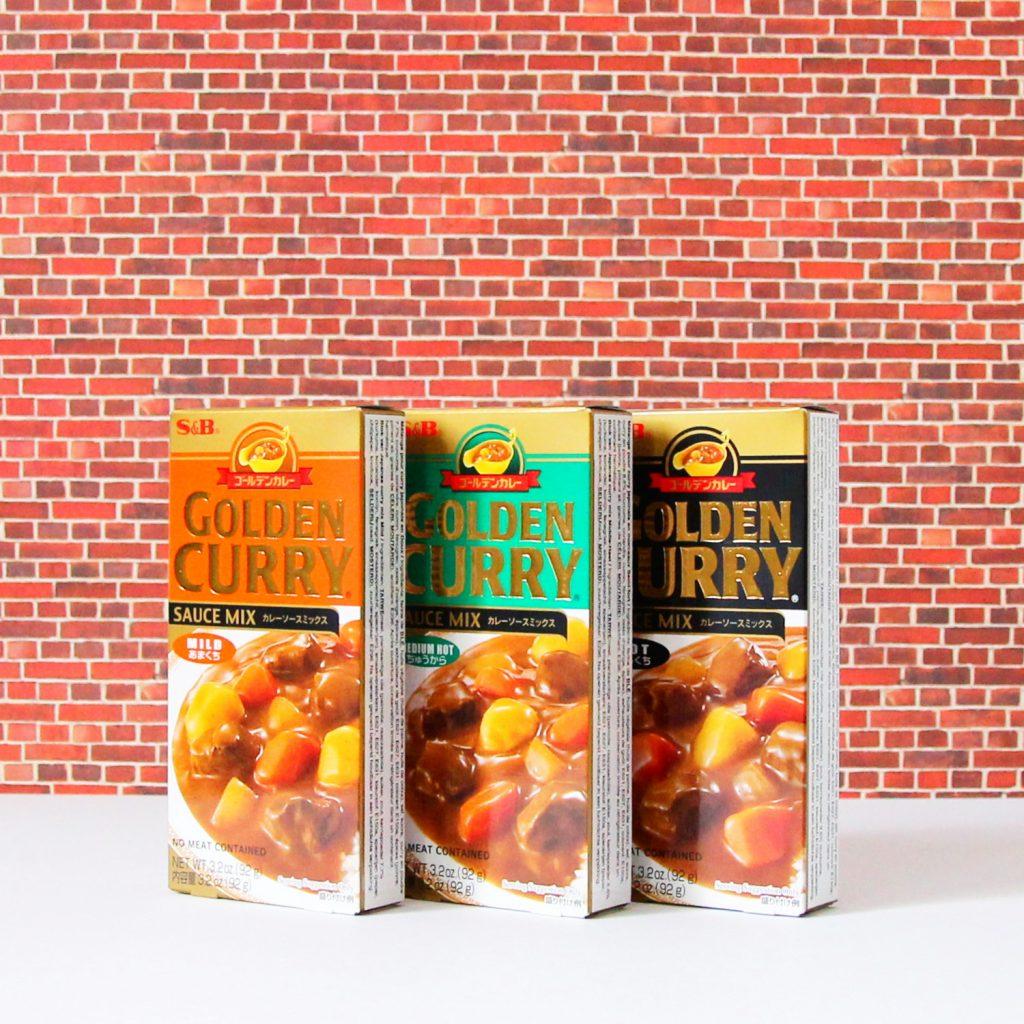 Auswahl Golden Curry von S&B.