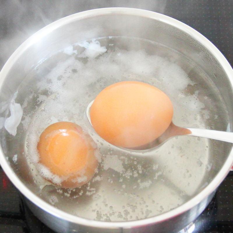 Ajitsuke Tamago Schritt 2 Eier kochen