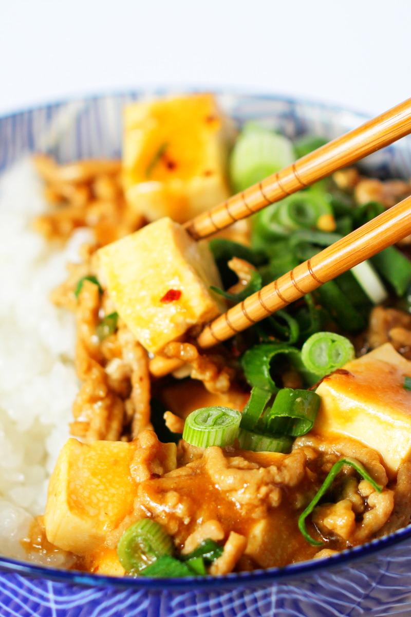 Mapo Tofu mit Stäbchen