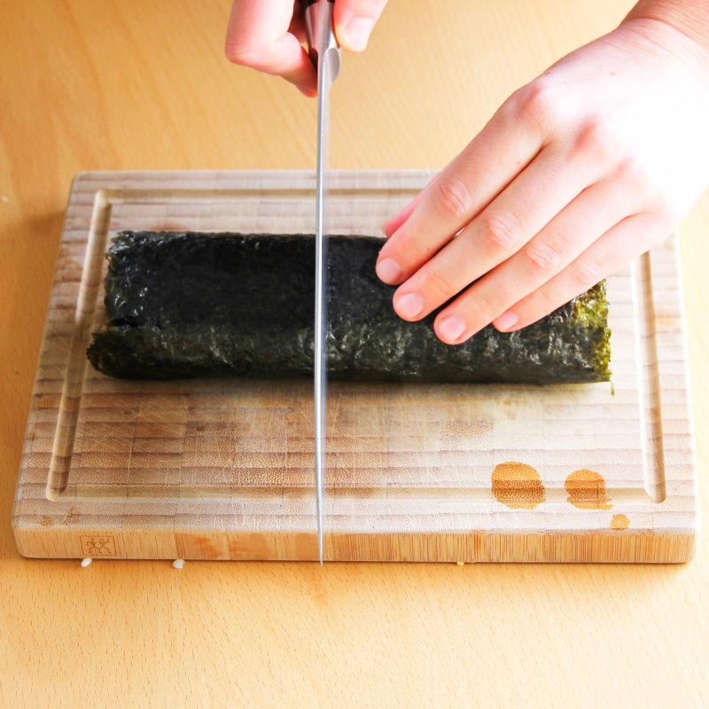 Futomaki Schritt 10 Sushi-Rolle schneiden